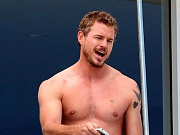 Hunky television actor Eric Dane takes off shirt showing off his chest